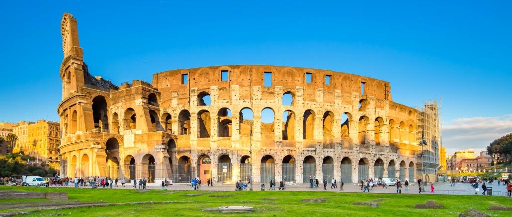 kolosseum ist das bekannte amphitheater in rom. Black Bedroom Furniture Sets. Home Design Ideas