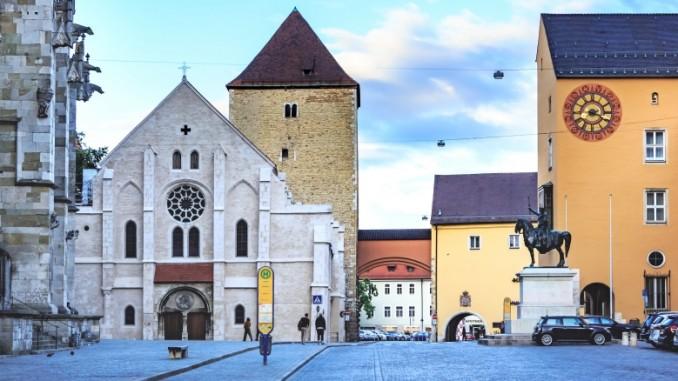 altstadt-regensburg-haeuser